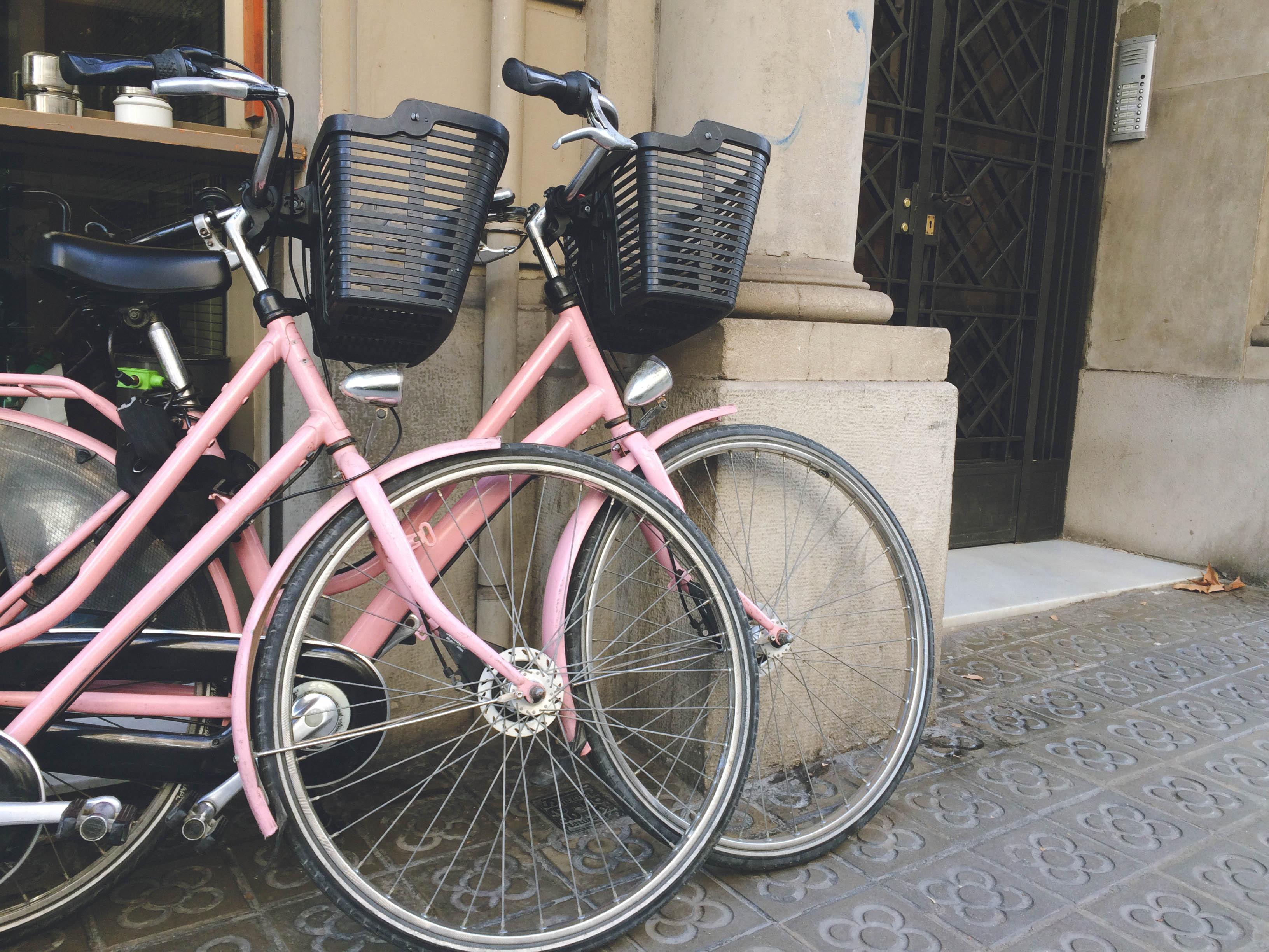 Barcelona růžová kola